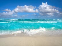 Free Cancun Delfines Beach At Hotel Zone Mexico Stock Photos - 102604213