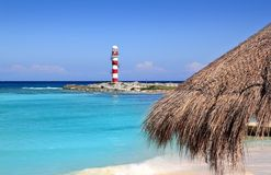 Cancun-Leuchtturmtürkis-Meer-Strand Stockbild