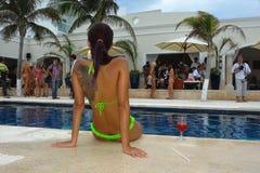 CANCUN MEKSYK, MAJ, - 03: Model pozuje outside podczas półfinałów IBMS 2014 Zdjęcia Royalty Free