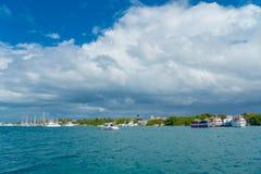 CANCUN MEXICO - JANUARI 10, 2018: Isla Mujeres är en ö i det karibiska havet, omkring 13 kilometer av Yucatanen Royaltyfria Bilder