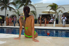CANCUN, MEXICO - MAY 03: Model poses outside during semi-finals IBMS 2014 Royalty Free Stock Photos