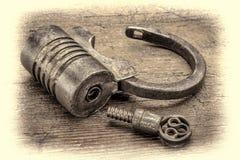 Candado de rosca del hierro del vintage Foto de archivo