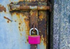 Candado rosado Fotografía de archivo libre de regalías