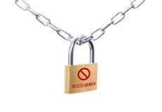 Candado y cadena bloqueados con el acceso de la muestra negado Imágenes de archivo libres de regalías