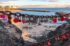 Candados en una cadena en Wehranlage en el flamenco de Playa imágenes de archivo libres de regalías