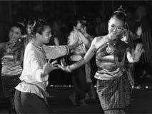 Canddle节日的泰国舞蹈演员 免版税图库摄影