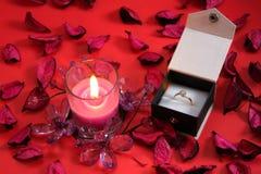Candela con l'anello in una casella Fotografia Stock Libera da Diritti