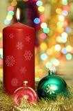Candela e decorazione rosse di Natale Fotografia Stock Libera da Diritti