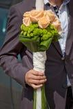 Candela per nozze decorata con le rose Fotografia Stock