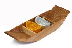 Candela romantica tailandese sulla barca di legno Fotografia Stock