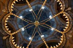 Candelabro da catedral foto de stock royalty free