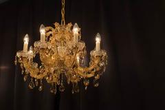 Candelabro de cristal clássico bonito fotos de stock royalty free