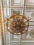Candelabro no palácio do inverno - eremitério foto de stock royalty free