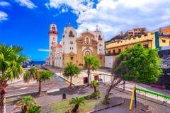 Candelaria, Tenerife, Canarische Eilanden, Spanje: Overzicht van de Basiliek van Onze Dame van Candelaria royalty-vrije stock fotografie