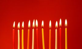 Candele Burning di compleanno Immagine Stock