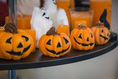 Candele decorative sotto forma di zucca per Halloween Immagine Stock Libera da Diritti
