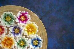 Candele del fiore profumato fotografia stock