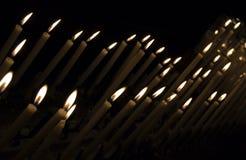 Candele di illuminazione Fotografia Stock Libera da Diritti
