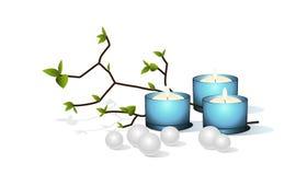 Candele e perle blu. Fotografia Stock Libera da Diritti