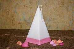 Candele fatte a mano sotto forma di una piramide Fotografia Stock Libera da Diritti