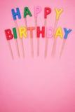 candele a forma di lettera di buon compleanno Fotografie Stock Libere da Diritti