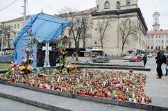 Candele in onore di quelli uccisi nel Maidan dentro  Immagini Stock Libere da Diritti