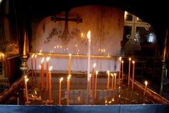 Candele in una chiesa Fotografia Stock