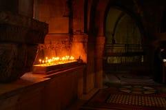 Candele in una chiesa di Gerusalemme Fotografie Stock