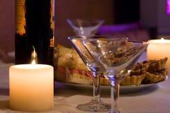 Candele, vino e calici Fotografie Stock Libere da Diritti