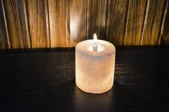 Candelero Himalayan de la lámpara de la sal foto de archivo