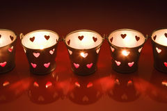 Candeleros del lght del té de la tarjeta del día de San Valentín Fotos de archivo