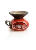 Candeliere ceramico rosso alla moda con la riflessione Fotografia Stock Libera da Diritti