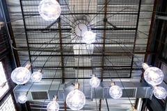 Candeliere del soffitto del ragno del sottotetto immagine stock libera da diritti