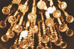 Candeliere di illuminazione nel fondo scuro Immagine Stock