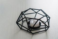 Candeliere geometrico moderno in bianco e nero immagini stock libere da diritti