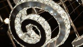Candeliere a spirale di lusso video d archivio