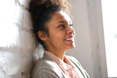 Candid portrait of a smiling young woman Royalty Free Stock Image