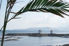 Candidasa海滩在巴厘岛,印度尼西亚 图库摄影