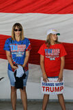 Candidat présidentiel Donald Trump Campaigns In Sacramento de GOP, Images libres de droits