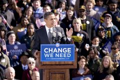 Candidate Barack Obama appearing at early vote Royalty Free Stock Images