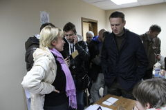 Candidate for mayor of Khimki opposition Evgeniya Chirikova communicates with the politician Alexei Navalny, who came in her campa Royalty Free Stock Photography
