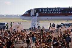 Candidato presidencial Donald Trump Campaigns In Sacramento del GOP, Imagenes de archivo