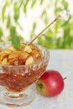 Candied яблоко с мятой Стоковые Изображения