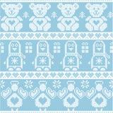 蓝色candinavian与企鹅的葡萄酒圣诞节北欧无缝的样式,天使,玩具熊, xmas礼物,心脏,装饰orname 库存照片