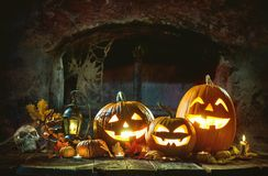 Free Candle Lit Halloween Pumpkins Royalty Free Stock Photography - 100957287