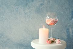 Free Candle With Floral Decor On Table Royalty Free Stock Image - 122195836