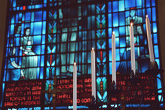 Candlelit Buntglas Stockbilder