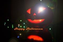 Candlelit Kürbis Kürbishalloweens A für Halloween Kerzen und Kürbis Schnitzen des geschnitzten furchtsamen Kürbiskopfes Ängstlich stockbilder