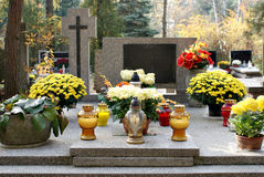 Candles on the grave Royalty Free Stock Photos