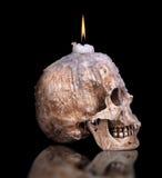 Candlestick od ludzkiej czaszki Obraz Stock